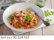 Купить «Spaghetti with tomato sauce, parmesan and basil», фото № 30324167, снято 12 марта 2019 г. (c) Stockphoto / Фотобанк Лори
