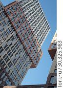 Москва, фрагмент нового жилого комплекса на Рублёвском шоссе (2019 год). Редакционное фото, фотограф Дмитрий Неумоин / Фотобанк Лори