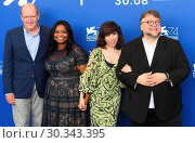 Купить «74th Venice Film Festival - 'The Shape of Water' - Photocall Featuring: Guillermo Del Toro, Richard Jenkins, Octavia Spencer, Sally Hawk Where: Venice, Italy When: 31 Aug 2017 Credit: WENN.com», фото № 30343395, снято 31 августа 2017 г. (c) age Fotostock / Фотобанк Лори