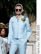 Купить «Mercedes-Benz Madrid Fashion Week - Jorge Vazquez - Catwalk Featuring: Model Where: Madrid, Spain When: 18 Sep 2017 Credit: Oscar Gonzalez/WENN.com», фото № 30350035, снято 18 сентября 2017 г. (c) age Fotostock / Фотобанк Лори