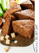 Купить «Chocolate cake with zucchini», фото № 30387247, снято 26 октября 2018 г. (c) Надежда Мишкова / Фотобанк Лори