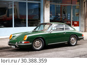Купить «Porsche 911», фото № 30388359, снято 13 марта 2019 г. (c) Art Konovalov / Фотобанк Лори