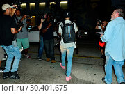 Купить «Justin Bieber after a Maxfield store appearance in West Hollyood Featuring: Justin Bieber Where: West Hollywood, California, United States When: 04 Aug 2017 Credit: WENN.com», фото № 30401675, снято 4 августа 2017 г. (c) age Fotostock / Фотобанк Лори