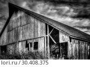 Купить «Abandoned Barn», фото № 30408375, снято 24 октября 2014 г. (c) easy Fotostock / Фотобанк Лори