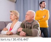 Купить «Parents arguing with son», фото № 30416447, снято 25 мая 2019 г. (c) Яков Филимонов / Фотобанк Лори
