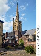 Купить «Spire of Cathedral Church of St Marie as seen from forecourt of Upper Chapel. Sheffield. England», фото № 30416643, снято 7 мая 2009 г. (c) Serg Zastavkin / Фотобанк Лори