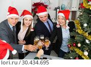 Купить «Christmas business cocktail party in office», фото № 30434695, снято 14 января 2019 г. (c) Яков Филимонов / Фотобанк Лори