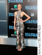 Купить «World premiere of 'Valerian and the City of a Thousand Planets' at the TCL Chinese Theatre - Arrivals Featuring: Cara Delevingne Where: Los Angeles, California...», фото № 30440423, снято 17 июля 2017 г. (c) age Fotostock / Фотобанк Лори