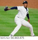 Купить «The New York Yankees take on the New York Mets during game 2 of the 2017 Subway Series at Yankee Stadium Featuring: Aroldis Chapman Where: Bronx, New York...», фото № 30443875, снято 15 августа 2017 г. (c) age Fotostock / Фотобанк Лори