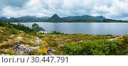 Купить «Lofoten fjord summer overcast view.», фото № 30447791, снято 4 августа 2020 г. (c) Юрий Брыкайло / Фотобанк Лори