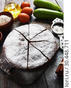Купить «Zucchini cake with cocoa powder», фото № 30448711, снято 12 октября 2018 г. (c) Надежда Мишкова / Фотобанк Лори