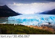 Купить «Glacier Perito Moreno and mountains», фото № 30456067, снято 2 февраля 2017 г. (c) Яков Филимонов / Фотобанк Лори