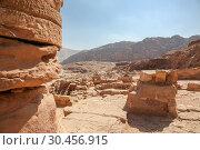 Petra Great Temple, Petra, Jordan. Стоковое фото, фотограф Alexandra Buxbaum / age Fotostock / Фотобанк Лори