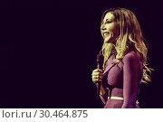 Katherine Ryan performs live on stage (2016 год). Редакционное фото, фотограф Idil Sukan / Draw HQ / WENN.com / age Fotostock / Фотобанк Лори