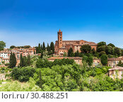 Купить «View of the historic centre of Siena with the Church of Santa Maria dei Servi, Tuscany, Italy», фото № 30488251, снято 11 мая 2014 г. (c) Наталья Волкова / Фотобанк Лори