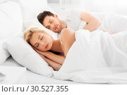 Купить «happy couple sleeping in bed at home», фото № 30527355, снято 25 февраля 2016 г. (c) Syda Productions / Фотобанк Лори