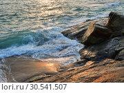 Индия, штат Керала. Побережье Индийского океана на закате (2019 год). Стоковое фото, фотограф Овчинникова Ирина / Фотобанк Лори