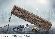 Man trying to get money in trap. Стоковое фото, фотограф Tryapitsyn Sergiy / Фотобанк Лори