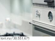 Купить «Oven in the kitchen», фото № 30551671, снято 11 марта 2015 г. (c) Tryapitsyn Sergiy / Фотобанк Лори