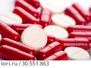 Купить «Different pills», фото № 30551863, снято 22 августа 2012 г. (c) Tryapitsyn Sergiy / Фотобанк Лори
