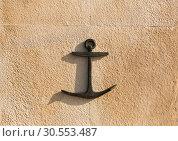 Anchor on the wall. Стоковое фото, фотограф Tryapitsyn Sergiy / Фотобанк Лори
