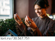 Купить «Woman's hands with old fashion style beads», фото № 30567751, снято 20 августа 2017 г. (c) Tryapitsyn Sergiy / Фотобанк Лори