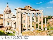 Купить «Римский Форум в весенний день. Рим. Италия», фото № 30578127, снято 28 апреля 2018 г. (c) E. O. / Фотобанк Лори