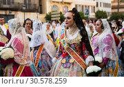 Купить «Costumed procession on festival Fallas», фото № 30578259, снято 18 марта 2019 г. (c) Яков Филимонов / Фотобанк Лори