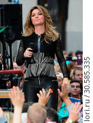 Shania Twain perform at the Today Show Concert Series in NYC (2017 год). Редакционное фото, фотограф Patricia Schlein / WENN.com / age Fotostock / Фотобанк Лори