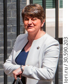 Купить «Prime Minister Theresa May welcomes Arlene Foster, Leader of the Democratic Unionist Party (DUP) for talks at Number 10 Downing Street. The Prime Minister...», фото № 30590203, снято 13 июня 2017 г. (c) age Fotostock / Фотобанк Лори