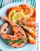 Купить «Salmon & shrimps», фото № 30610303, снято 3 августа 2013 г. (c) easy Fotostock / Фотобанк Лори