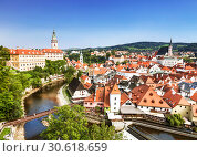Купить «Top view of Cesky Krumlov, Czech Republic», фото № 30618659, снято 6 сентября 2014 г. (c) Наталья Волкова / Фотобанк Лори