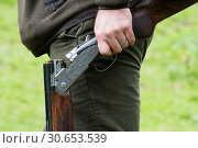 Купить «Over and under shotgun, game shooting», фото № 30653539, снято 4 апреля 2020 г. (c) Ingram Publishing / Фотобанк Лори
