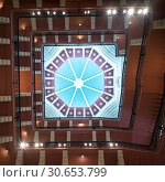 Ceiling in Taj Mahal Hotel, Colaba, Mumbai, Maharashtra, India. Стоковое фото, фотограф Keith Levit / Ingram Publishing / Фотобанк Лори