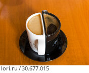 Купить «Необычные кофейные чашки с кофе», фото № 30677015, снято 26 марта 2019 г. (c) Сергей Рыбин / Фотобанк Лори