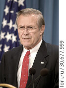 Купить «USA Pentagon -- 20 Mar 2003 -- US Secretary of Defense Donald Rumsfeld briefs reporters in the Pentagon on the first actions against Iraq in support of...», фото № 30677999, снято 17 июня 2019 г. (c) age Fotostock / Фотобанк Лори
