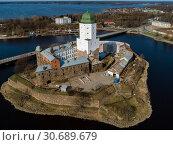 Купить «Выборг, вид сверху на Выборгский замок», фото № 30689679, снято 26 апреля 2019 г. (c) glokaya_kuzdra / Фотобанк Лори