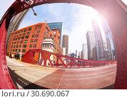 Купить «Fisheye image of bridge in Chicago city downtown», фото № 30690067, снято 23 апреля 2018 г. (c) Сергей Новиков / Фотобанк Лори