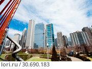 Maggie Daley Park in Chicago and city skyline (2018 год). Стоковое фото, фотограф Сергей Новиков / Фотобанк Лори