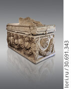 Roman relief garland sculpted sarcophagus, style typical of Pamphylia, 3rd Century AD, Konya Archaeological Museum, Turkey. Against a grey background. (2019 год). Редакционное фото, фотограф Funkystock / age Fotostock / Фотобанк Лори
