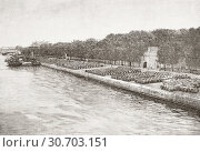 The wine warehousing area along the River Seine, Bercy, Paris, France, seen here during the 19th century. The docks where the barrels of wine were stored... (2019 год). Редакционное фото, фотограф Classic Vision / age Fotostock / Фотобанк Лори