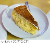 Купить «Cheesecake Tarta de queso», фото № 30712631, снято 28 января 2020 г. (c) Яков Филимонов / Фотобанк Лори