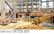 Купить «workers perform excavation work at the warning warning tape in the hazardous construction zone», видеоролик № 30725303, снято 21 сентября 2016 г. (c) Aleksandr Sulimov / Фотобанк Лори