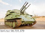 Купить «The antiaircraft Shilka self-propelled emplacement on the embankment to Volgograd», фото № 30731379, снято 27 апреля 2019 г. (c) Владимир Арсентьев / Фотобанк Лори