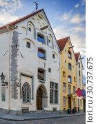 Купить «Street in Tallinn, Estonia», фото № 30737675, снято 27 июля 2018 г. (c) Boris Breytman / Фотобанк Лори