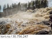 Бушующий водопад Гирвас в Карелии на древнем вулкане Гирвас. Стоковое фото, фотограф Sergei Gorin / Фотобанк Лори