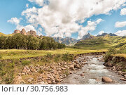Купить «Garden Castle in the Drakensberg near Underberg», фото № 30756983, снято 25 марта 2018 г. (c) easy Fotostock / Фотобанк Лори