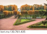 Купить «Осеннее Царское Село View of the Hermitage Pavilion in Tsarskoye Selo», фото № 30761435, снято 5 октября 2013 г. (c) Baturina Yuliya / Фотобанк Лори