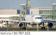 Купить «Airplane taxiing before departure», видеоролик № 30787323, снято 22 июля 2017 г. (c) Игорь Жоров / Фотобанк Лори