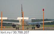 Купить «Airplane start position before departure», видеоролик № 30788207, снято 21 июля 2017 г. (c) Игорь Жоров / Фотобанк Лори
